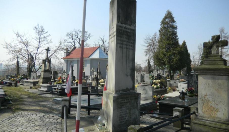 Obelisk Z. Derikowskiego, upamietnia ostrowczan   poległych w 1920r. (A-1)
